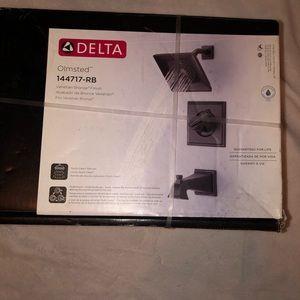 Delta Venetian Bronze Shower Head Set